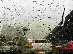 איך להכין את האוטו לקראת החורף? מספר טיפים שיעזרו לך לנהוג בבטיחות בימים גשומים.